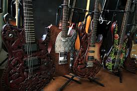 gitar ukir malang
