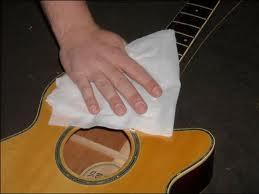 merawat gitar