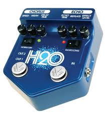 Visual Sound H20 Liquid Chorus and Echo synister