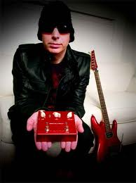 Vox Satchurator Distortion Pedal, Efek Gitar Joe Satriani