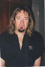 Koleksi Gitar, Aksesoris Dan Efek Gitar Adrian Smith (Gitaris Iron Maiden)