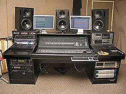 Peralatan Yang Digunakan Untuk Membuat Home Recording Studio